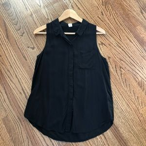 Old Navy Black Sleeveless Lightweight Button Down